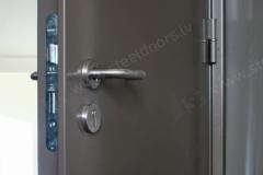 steel-door-installation-dublin